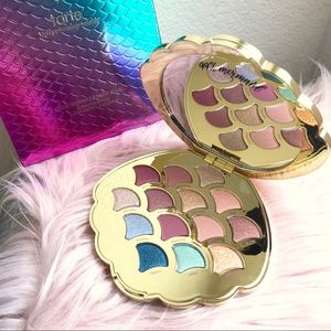 Tarte mermaid eyeshadow palette